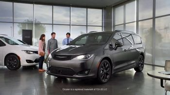 2019 Chrysler Pacifica TV Spot, 'Are We a Van Family?: Talking Van' [T2] - Thumbnail 7