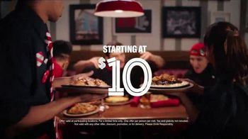 TGI Friday's Sizzling Entrées TV Spot, 'Dance' - Thumbnail 5
