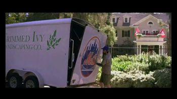 GEICO TV Spot, 'Landscaper Cuts Rival Baseball Logo into Customer's Grass' - Thumbnail 1