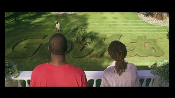 GEICO TV Spot, 'Landscaper Cuts Rival Baseball Logo into Customer's Grass' - Thumbnail 3