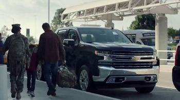 Chevrolet Silverado TV Spot, 'The Official Truck of Real People' [T1] - Thumbnail 9