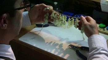 Fast-Fix Jewelry and Watch Repairs TV Spot, 'Love at First Sight' - Thumbnail 6