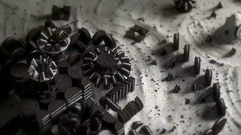 Oreo TV Spot, 'Game of Thrones Title Sequence' - Thumbnail 4