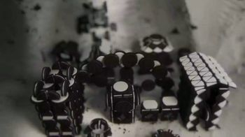 Oreo TV Spot, 'Game of Thrones Title Sequence' - Thumbnail 5