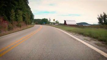 Arkansas Department of Parks & Tourism TV Spot, 'Road Trip: Waterfalls and Hot Springs' - Thumbnail 3