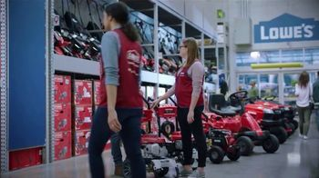 Lowe's Spring Black Friday Sale TV Spot, 'Finish Strong: Trimmer' Featuring Jay Wright - Thumbnail 4