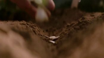 Gerber TV Spot, 'Grown in Better Soil for Baby' - Thumbnail 5