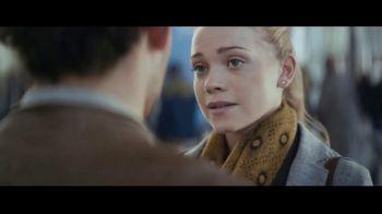 Extra Spearmint TV Spot, 'The Story of Sarah & Juan: Airport' Song by Haley Reinhart - Thumbnail 4