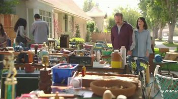 GEICO TV Spot, 'The Gecko Has a Yard Sale' - Thumbnail 1