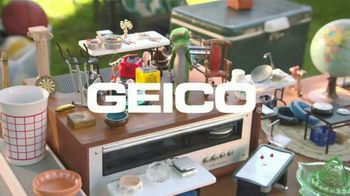 GEICO TV Spot, 'The Gecko Has a Yard Sale' - Thumbnail 8