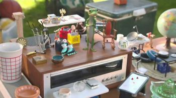 GEICO TV Spot, 'The Gecko Has a Yard Sale' - Thumbnail 2