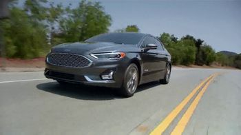 2019 Ford Fusion Hybrid TV Spot, 'Start the New Year Off in Style' [T2] - Thumbnail 6