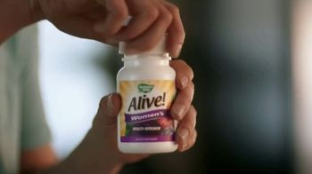 Nature's Way Alive! TV Spot, 'More' Song by Michael Franti & Spearhead - Thumbnail 6