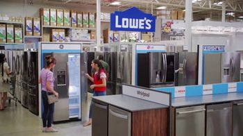 Lowe's TV Spot, 'Fridge Moment: Frigidaire Range' - Thumbnail 6