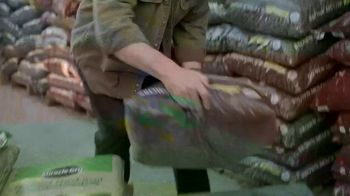 Lowe's TV Spot, 'Step Ahead of Spring: Mulch' - Thumbnail 5