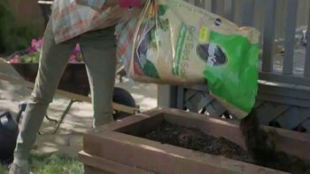 Lowe's TV Spot, 'Step Ahead of Spring: Mulch' - Thumbnail 8