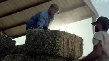 Chevrolet Truck Month TV Spot, 'Official Truck of Real People' [T2] - Thumbnail 4
