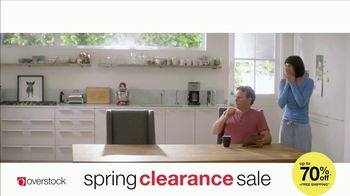 Overstock.com Spring Clearance Sale TV Spot, 'Table Runner' - Thumbnail 3