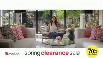 Overstock.com Spring Clearance Sale TV Spot, 'Table Runner' - Thumbnail 6