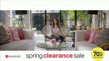 Overstock.com Spring Clearance Sale TV Spot, 'Table Runner' - Thumbnail 7