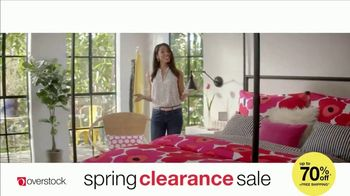Overstock.com Spring Clearance Sale TV Spot, 'Table Runner' - Thumbnail 8