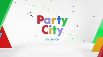 Party City TV Spot, 'Table Covers, Birthday Themes & Avengers Cups' - Thumbnail 6