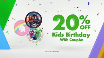 Party City TV Spot, 'Table Covers, Birthday Themes & Avengers Cups' - Thumbnail 3