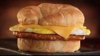 Jack in the Box Breakfast Croissants TV Spot, 'Envidia' [Spanish] - Thumbnail 4