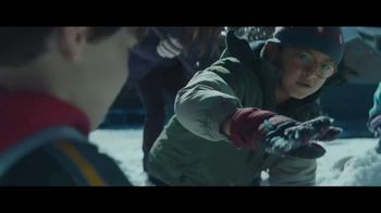 Toyota Toyotathon TV Spot, 'Home for the Holidays: Hugs' Song by Sara Bareilles, Ingrid Michaelson [T2] - Thumbnail 2
