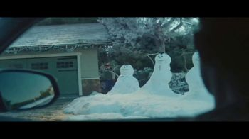 Toyota Toyotathon TV Spot, 'Home for the Holidays: Hugs' Song by Sara Bareilles, Ingrid Michaelson [T2] - Thumbnail 4