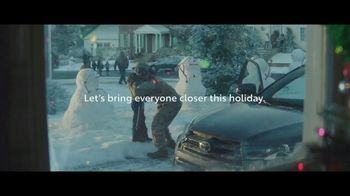 Toyota Toyotathon TV Spot, 'Home for the Holidays: Hugs' Song by Sara Bareilles, Ingrid Michaelson [T2] - Thumbnail 6