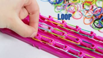 Cra-Z-Loom TV Spot, 'Loop, Weave and Wear' - Thumbnail 3