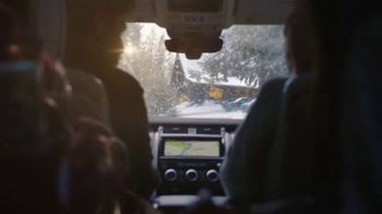Land Rover Season of Adventure Sales Event TV Spot, 'White Christmas' [T2] - Thumbnail 7