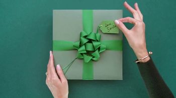 Macy's Holiday Countdown Sale TV Spot, 'Last-Minute Gifts' - Thumbnail 10
