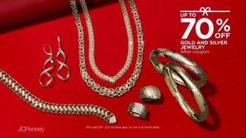 JCPenney TV Spot, 'Almost Christmas: Jewelry and Fitbit' Song by Redbone - Thumbnail 5
