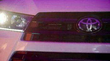 Toyota We Make It Easy Sales Event TV Spot, 'Highlander' [T2] - Thumbnail 3
