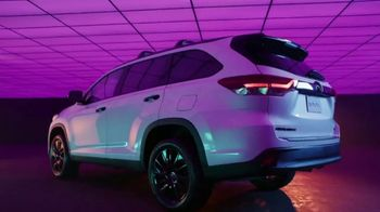 Toyota We Make It Easy Sales Event TV Spot, 'Highlander' [T2] - Thumbnail 4