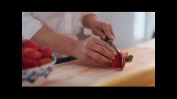 Once Upon a Farm TV Spot, 'Fresh From the Fridge Baby Food' - Thumbnail 2