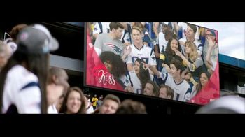 Head & Shoulders TV Spot, 'Headstrong: Kiss Cam' - Thumbnail 1