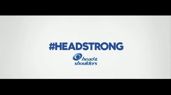 Head & Shoulders TV Spot, 'Headstrong: Kiss Cam' - Thumbnail 10