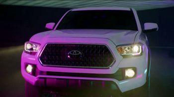 Toyota We Make It Easy Sales Event TV Spot, 'Tacoma' [T2] - Thumbnail 6
