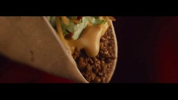 Taco Bell $1 Loaded Nacho Taco TV Spot, 'Tasty Illusion' - Thumbnail 5