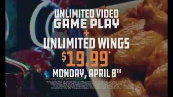 Dave and Buster's Hoops TV Spot, 'Unlimited Games and Wings' - Thumbnail 7