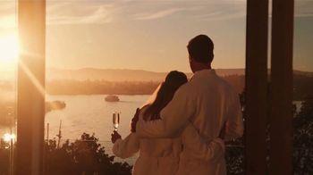 Clipper Vacations TV Spot, 'Spring Getaway: Newer Vessel' - Thumbnail 9