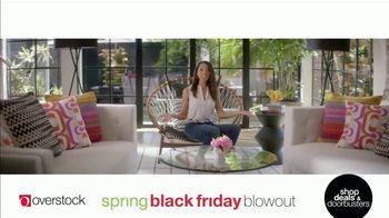 Overstock.com Spring Black Friday Blowout TV Spot, 'Table Runner' - Thumbnail 7