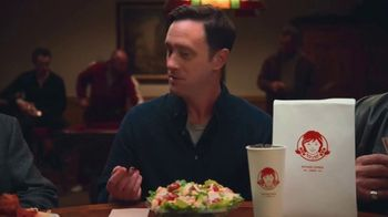 Wendy's Parmesan Caesar Salad TV Spot, 'Poker' - Thumbnail 4