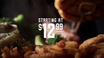 Applebee's Bigger Bolder Grill Combos TV Spot, 'Grillin and Chillin' Song by Sammy Kershaw - Thumbnail 6