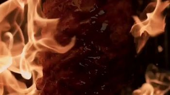 Applebee's Bigger Bolder Grill Combos TV Spot, 'Burning Love' - Thumbnail 1