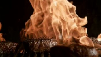 Applebee's Bigger Bolder Grill Combos TV Spot, 'Burning Love' - Thumbnail 6