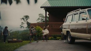 Pigeon Forge Department of Tourism TV Spot, 'Family Fun' Song by Tom Rosenthal - Thumbnail 1